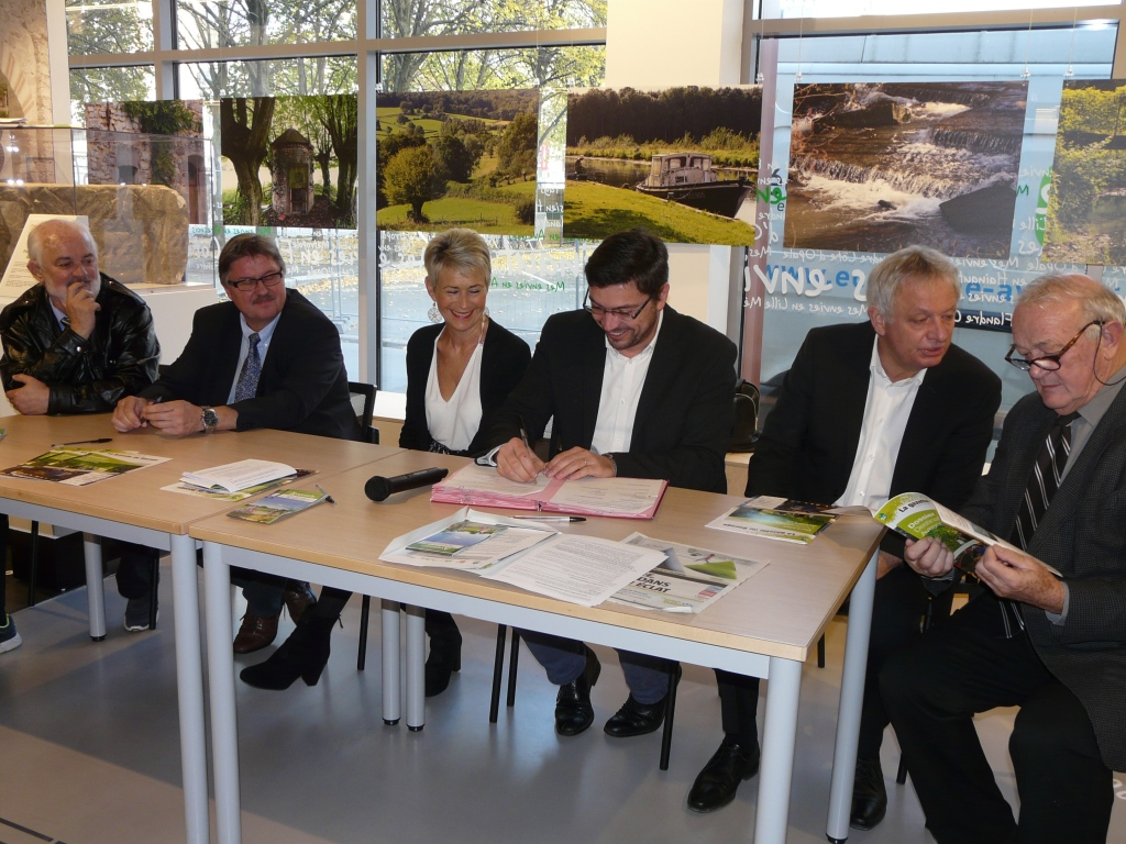 signature convention tourisme